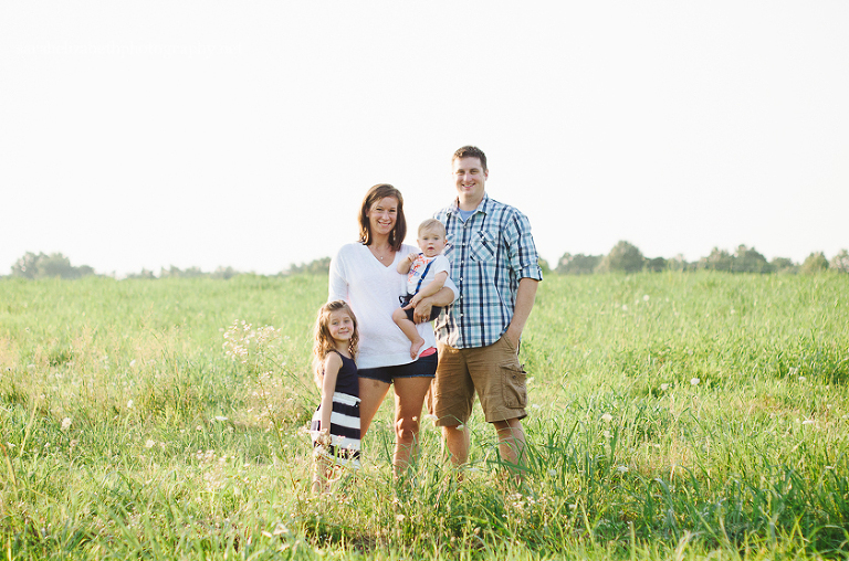 Smithville Mansion Family Session in field